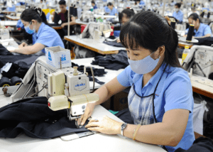 how to find a clothing manufacturer